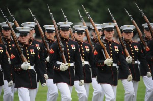 marching-soldiers