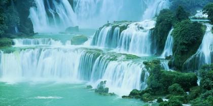 majestic-waterfall