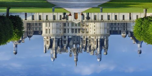 upside-down-castle